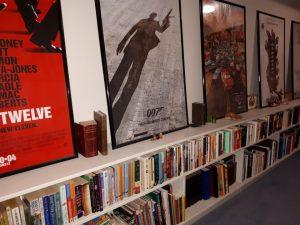 Hallway Book Shelves - UncaBob.ca